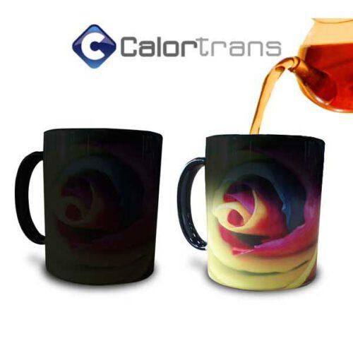 Calortrans Magic Mok afbeelding komt tevoorschijn door warme drank zoals thee of koffie